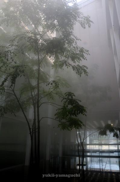 情報芸術センター03.jpg